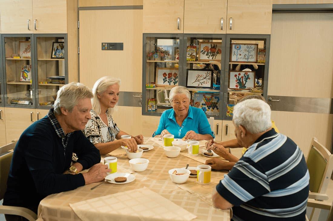 Кто занимается оформлением в дома престарелых в городе москве дома для престарелых в московской области цены