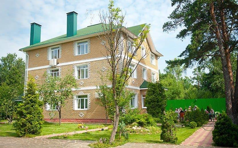 Дневной пансион для пожилых массажистки москвы выезд на дом частные объявления москва